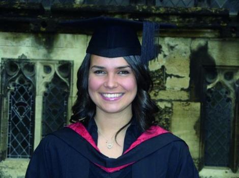Laila Issaoui, graduate